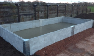 De-mountable pre-stressed bunded tank areas
